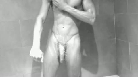 bite 23 cm grosse bite sous la douche